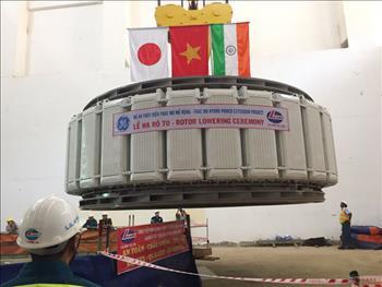 Lắp đặt thành công Rotor tổ máy phát điện Nhà máy Thủy điện Thác Mơ