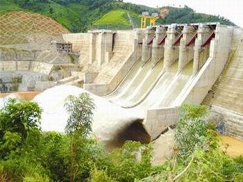 Phát điện tổ máy 2 công trình Thủy điện Trung Sơn